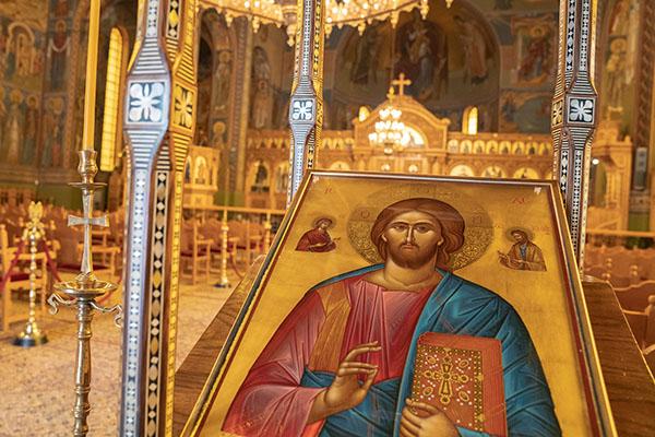 Ιερός Ναός Παμμεγίστων Ταξιαρχών Καλαμάτας - Για εμάς