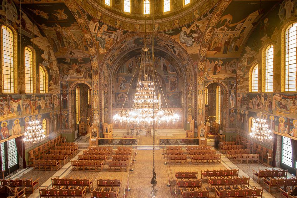 Ιερός Ναός Παμμεγίστων Ταξιαρχών Καλαμάτας - Θεία Λειτουργία